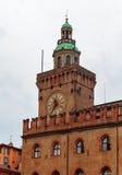 Marktplatz Maggiore mit Accursio Palast Lizenzfreie Stockfotos