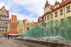 Marktplatz mit modernem Glasbrunnen, Breslau, Polen Stockbilder