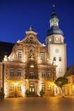 Marktplatz mit Rathaus und Rathaus ragen, Ettlingen, Ger hoch Lizenzfreie Stockbilder