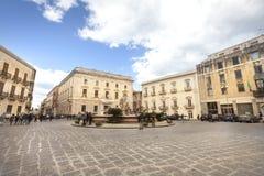 Marktplatz (quadratisches) Archimede in Ortigia, Siracusa Sizilien, Italien Lizenzfreies Stockfoto