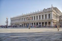 Marktplatz San Marco im Hintergrund Marciana Library in Venedig, Italien stockfoto