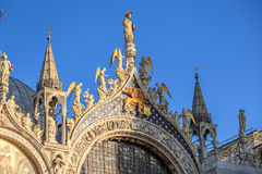 Marktplatz San Marco mit Glockenturm, Basilika San Marco und Doge-Palast Venedig, Italien Venedig, Italien Lizenzfreies Stockbild