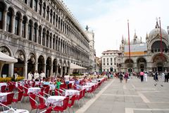 Marktplatz San Marco in Venedig Stockfotos
