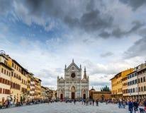 Marktplatz und Basilika Santa Croce in Florenz Lizenzfreie Stockfotografie