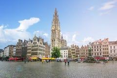 Marktplatz und Kathedrale unserer Dame, Antwerpen, Belgien lizenzfreies stockbild