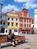 Marktquadrat, Cesky Krumlov, Tschechische Republik stockfotos
