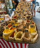 Marktstall im Süden von Frankreich Stockbild