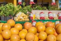 Marktstall mit Orangen Lizenzfreies Stockbild