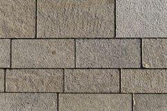 Marktvierkant met verschillend gerangschikte concrete blokken en verbindingen stock foto's