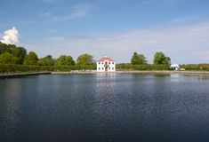 Marli slott i Peterhof, Ryssland Arkivbild