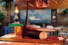 Marlin na drewno kramu w Śródziemnomorskim rybim ulicznym rynku fotografia stock