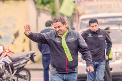 Marlon Guevara, καλωσορίζοντας άνθρωποι στο κέντρο Banos στοκ εικόνες