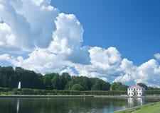 marly slottpeterhofpetersburg russia st Arkivbild