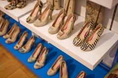 Marmaris, die Türkei - 14. September 2015: Die Schuhe der Frauen Stockbilder