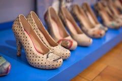 Marmaris, die Türkei - 14. September 2015: Die Schuhe der Frauen Stockfoto