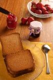 Marmelade e fragole fotografie stock libere da diritti