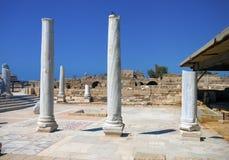 Marmeren kolommen in de ruïnes Stock Foto's