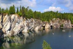 Marmeren steengroeve in ruskeala Stock Fotografie