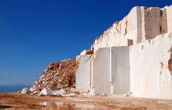 Marmeren steengroevekubussen Stock Afbeeldingen