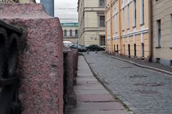 Marmeren stenen van de dijk van het de Winterkanaal in SaintPetersburg Royalty-vrije Stock Foto