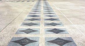 Marmeren vloer met citaten op de manier aan de Kerk De V.S. royalty-vrije stock foto's