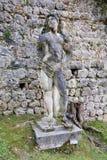 Marmeren vrouwelijk standbeeld in Conegliano, Veneto, Italië Stock Foto's