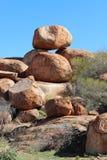 Marmi dei diavoli nel Territorio del Nord dell'Australia Fotografia Stock Libera da Diritti