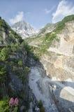 Marmo della cava nelle alpi di Apuan Immagine Stock Libera da Diritti