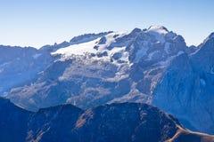 Marmolada det högsta maximumet av dolomitesna Arkivfoton