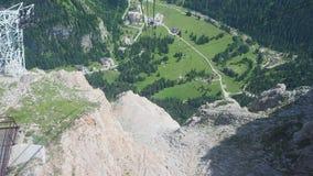 Marmolada, dolomity, Włochy Pierwszy sekcja cableway od Marmolada lodowa odjazd zdjęcie wideo