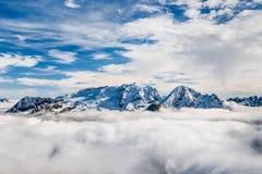 Marmolada toppmöte i Dolomites i vinter Arkivbild