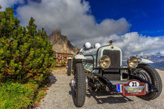 Oldtimer Marmon Roosevelt in Passo Giau royalty free stock photo