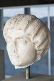 Marmorera huvudet av en grekisk kvinna, den forntida marknadsplatsen, Aten, Grekland Fotografering för Bildbyråer