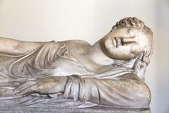 Marmorera skulptur av en kvinna, det Vatican museet Royaltyfria Bilder