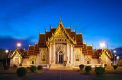 Marmorera templet (Wat Benchamabophit Dusitvanaram), den viktiga turist- dragningen, Bangkok, Thailand. Arkivfoton
