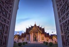 Marmorera templet (Wat Benchamabophit Dusitvanaram), den viktiga turist- dragningen, Bangkok, Thailand. Royaltyfri Foto