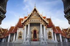 Marmorera templet (Wat Benchamabophit Dusitvanaram), den viktiga turist- dragningen, Bangkok, Thailand. Arkivfoto