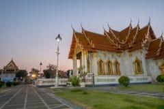 Marmorkyrkan av buddism i Wat Benchamabopit Dusitvanaram Temple royaltyfri foto
