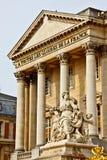 Marmorskulptur am Versailles-Palast Stockfotos