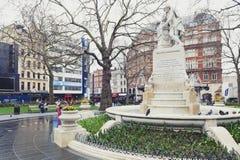 Marmorstatue von William Shakespeare am Leicester-Quadrat-Garten in London, Vereinigtes Königreich stockbild