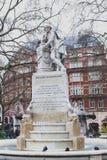 Marmorstatue von William Shakespeare am Leicester-Quadrat-Garten in London, Vereinigtes Königreich stockfotografie