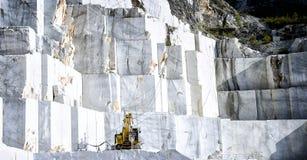 Marmorvillebråd i Carrara Italien arkivfoton