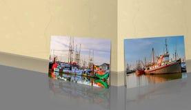 Marmorwand sind ein panoramisches Foto von Fischerbooten und Boote eingeschaltet lizenzfreie abbildung
