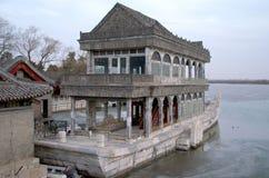Marmurowa łódź Na Zamarzniętym Jeziornym Kunming Przy lato pałac W Pekin Chiny Obrazy Royalty Free