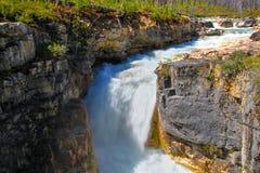 Marmurowa jar siklawa przy Kootenay, Kanada obrazy stock