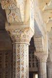 Marmurowe kolumny w czerwonym Agra forcie Fotografia Stock