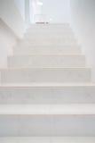 Marmurowi schodki Domowa Wewnętrzna perspektywa Zdjęcia Royalty Free