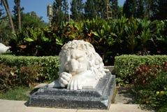 Marmurowy lew w parku Obraz Royalty Free