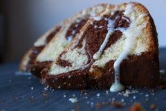 Marmurowy tort dla śniadaniowego czasu Zdjęcie Royalty Free