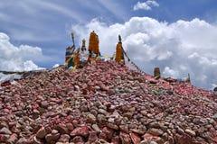 Marnyi kamienie Nangqian kraju miasteczko Fotografia Royalty Free